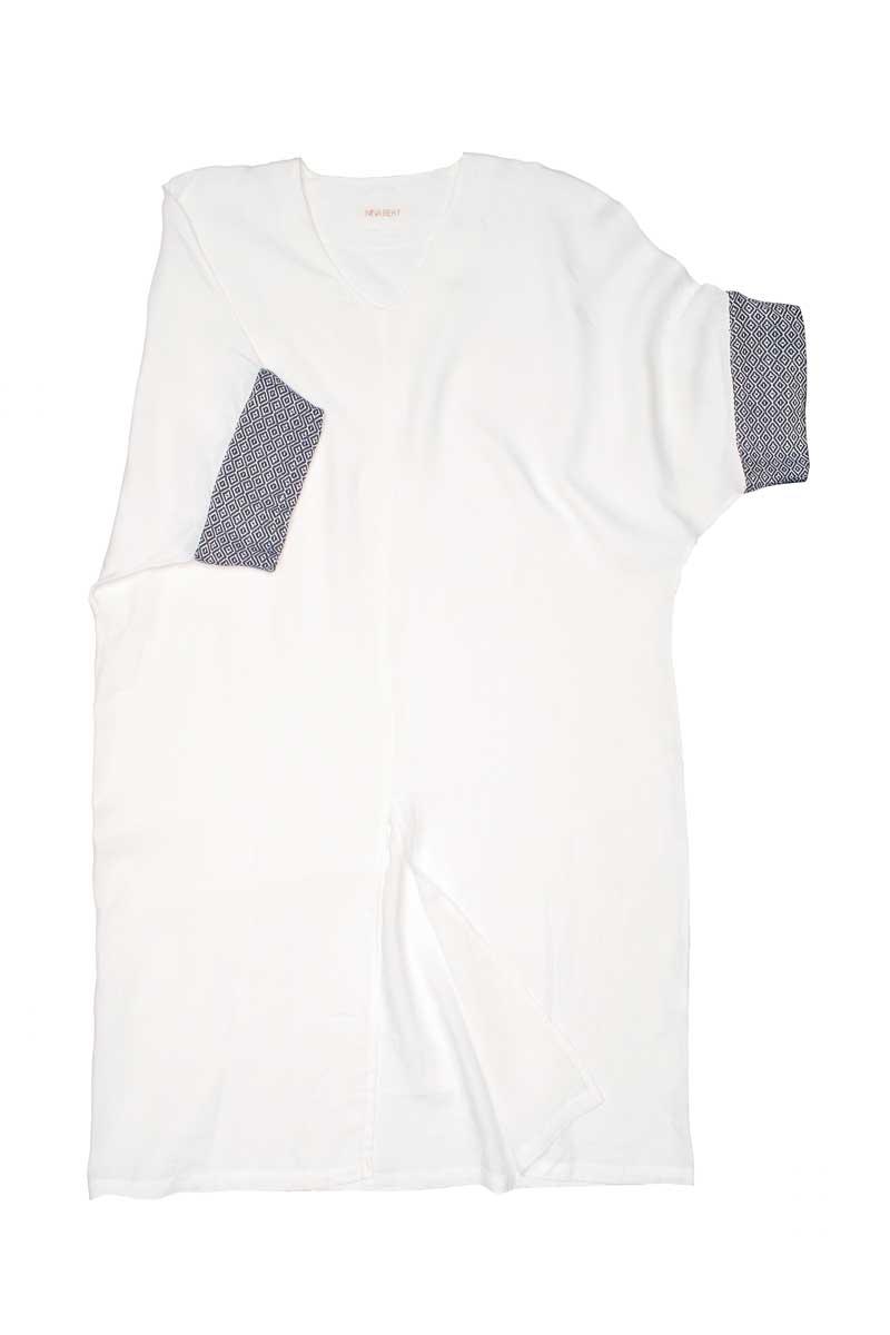 Caftano extra large in lino con scollo a V e spacco centrale